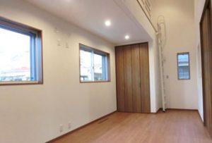 洋室:壁や床からの輻射熱で室内が全体的に暖かい